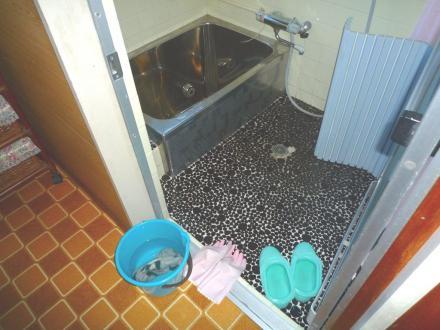 タイル浴室からシステムバスへ TOTO サザナ【やねきハウスのリフォーム】(リフォーム前)