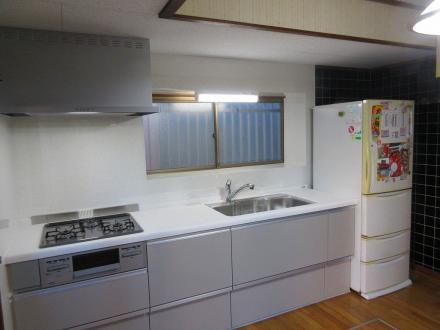 流し台からシステムキッチンへ取り替え【やねきハウスのリフォーム】(リフォーム後)