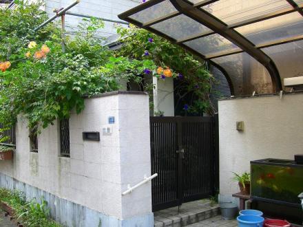 ブロック塗装リフォーム【やねきハウスのリフォーム】(リフォーム前)