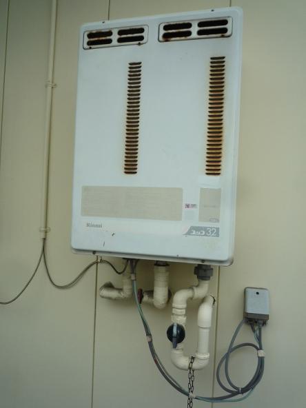 ガス給湯器取替え工事【やねきハウスのリフォーム】(リフォーム前)