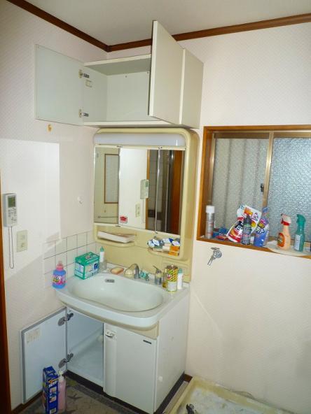 洗面脱衣室全面リフォーム【やねきハウスのリフォーム】(リフォーム前)