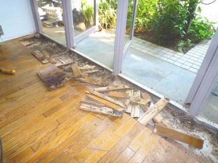 セレクトショップ床のリフレッシュ【やねきハウスのリフォーム】(リフォーム前)